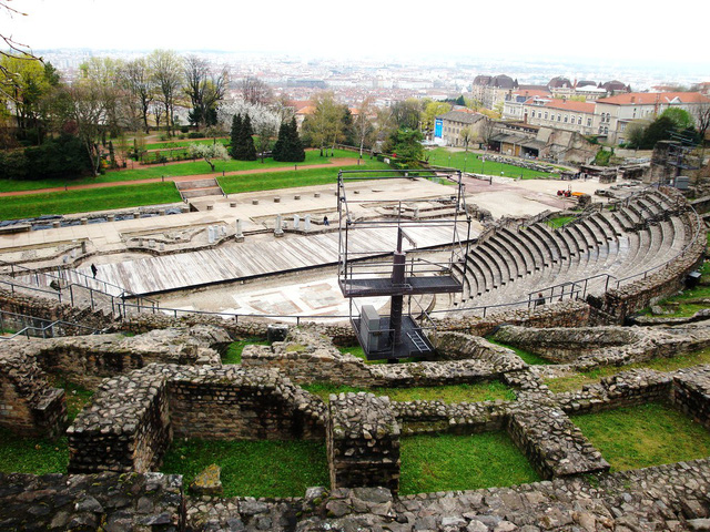 Nhà hát La Mã hiện nay vẫn thi thoảng được sử dụng trong các sự kiện diễn ra tại đây. (Ảnh: Flickr)