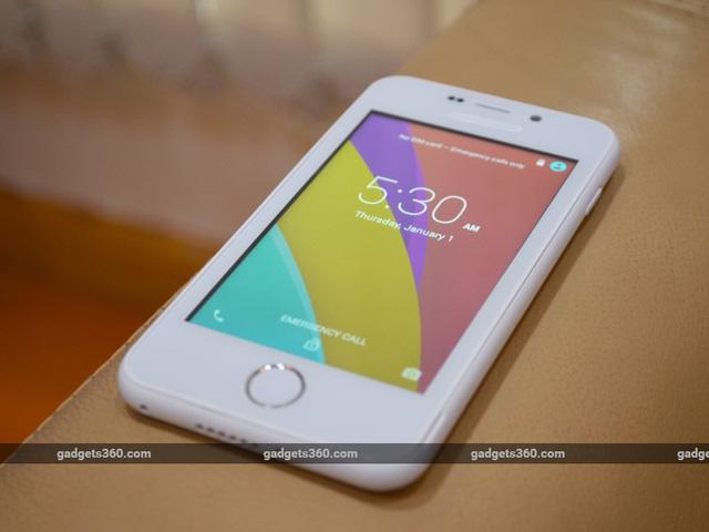 Thiết kế của thiết bị tương đối giống với chiếc iPhone 5C của Apple.
