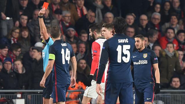 Pereiro nhận thẻ đỏ gián tiếp ở phút 68 nhưng PSV vẫn kiên cường cầm hòa Atletico