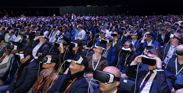 Khán giả tham gia sự kiện của Samsung có thêm trải nghiệm mới thông qua kính thực tế ảo Gear VR