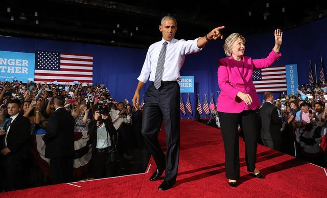 Tổng thống Obama và bà Hillary Clinton trong cuộc vận động tranh cử (Ảnh: Justin Sullivan/Getty Images)