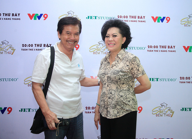 Danh ca Giao Linh và chồng
