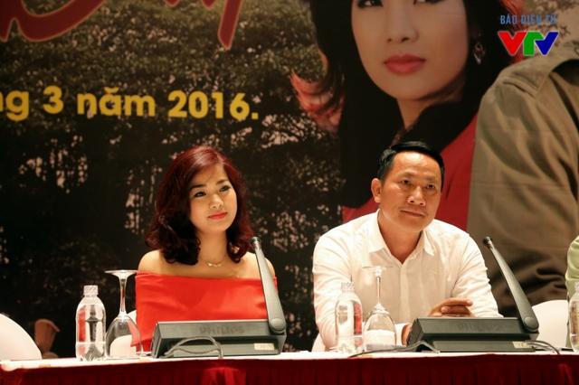 Hai diễn viên Hoàng Hải và Đàm Hằng cũng tham gia bộ phim lần này. Trong đó, NSƯT Hoàng Hải đảm nhận vai Cơ - Chủ tịch hợp tác xã.