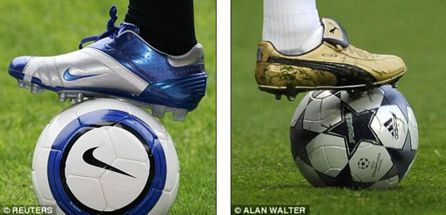 Mặt sân cỏ và những chiếc giày có thiết kế mới bị cho là tác nhân gây nên tình trạng trên.