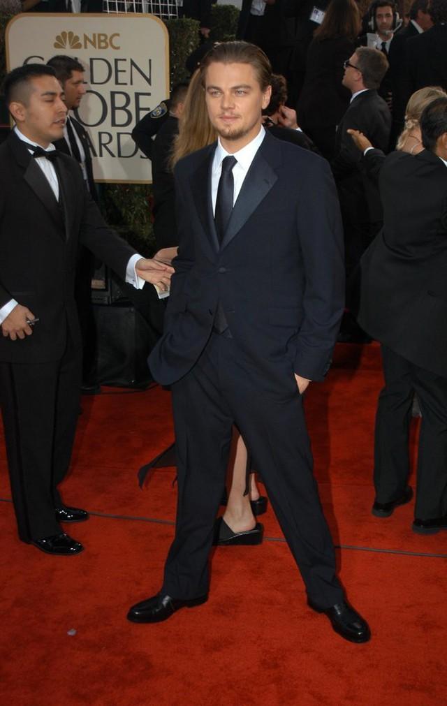 Leonardo trên thảm đỏ Quả cầu vàng 2003.
