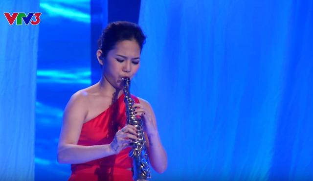 Cô gái saxophone Thi Kiều cũng giành vé vào chung kết