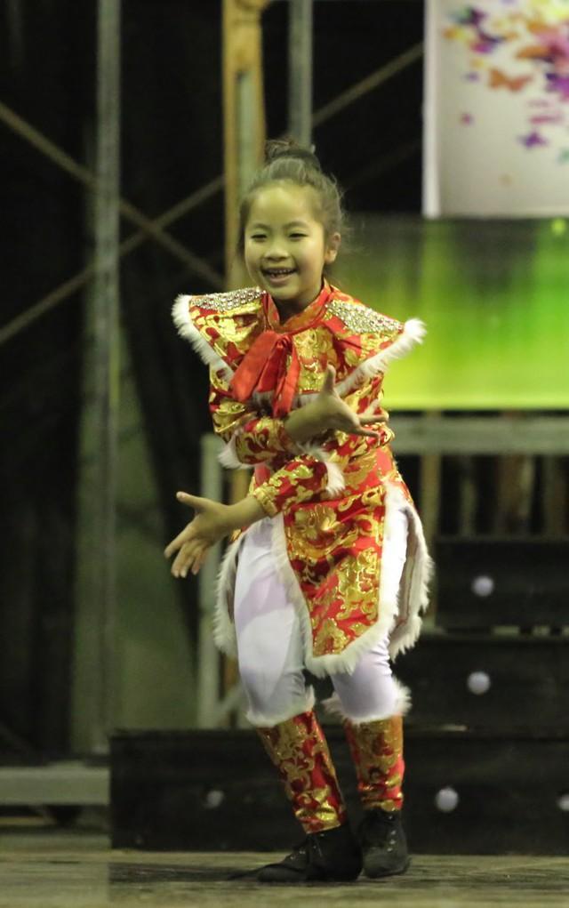 Thí sinh nhí Hà Bảo Anh sẽ tham gia vòng bán kết một mình, thiếu đi sự đồng hành của người bạn đã trình diễn cùng cô bé ở vòng loại sân khấu.