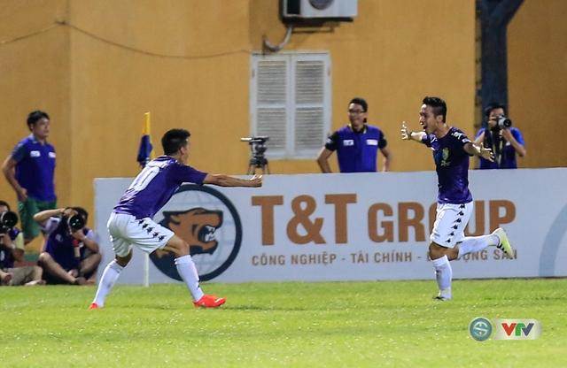 Trong hiệp hai, Hà Nội T&T đã có bàn thắng từ pha bắt volley chính xác của Hùng Dũng.
