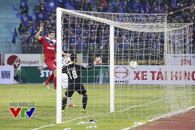 Than Quảng Ninh là đội có bàn thắng ở trận này nhờ công của Dyachenko phút 67