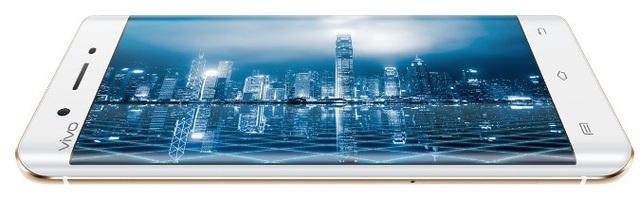 Xplay 5 cũng sở hữu màn hình cong giống như Galaxy S6 Edge của Samsung