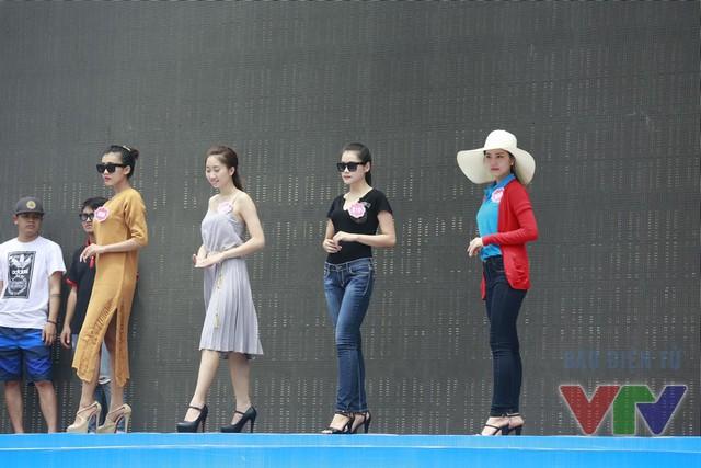 Các ứng viên Hoa hậu Biển Việt Nam đã có ngày luyện tập vất vả và đầy cố gắng