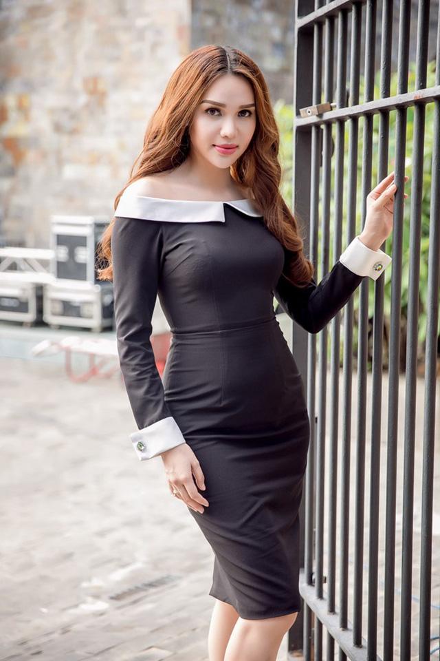 Hoa hậu Đông Nam Á Diệu Hân nền nã trong bộ đầm trễ vai, bó sát gợi cảm.