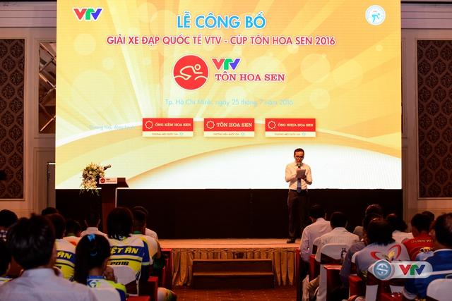 Toàn cảnh buổi lễ công bố giải xe đạp Quốc tế VTV - Cúp Tôn Hoa Sen 2016.