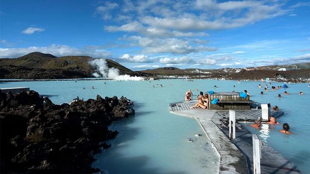 Du lịch là ngành kinh tế mũi nhọn tại Iceland