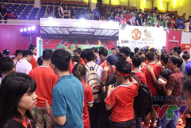 Sự kiện I Love United do chính CLB Manchester United tổ chức tại Việt Nam đã thu hút hàng ngàn CĐV Việt Nam tới Nhà thi đấu Trịnh Hoài Đức