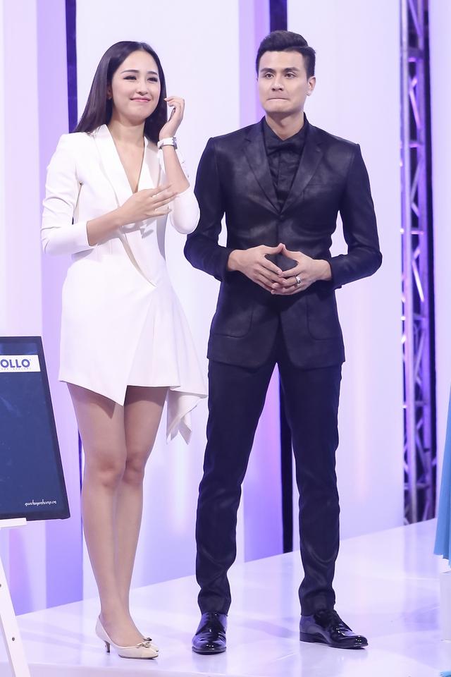 Hoa hậu Mai Phương Thúy là người chấm điểm và đưa ra quyết định cuối cùng về đội thắng cuộc.