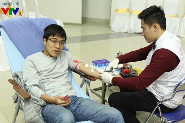 Khu vực hiến máu trong Hội trường lớn của Viện Huyết học truyền máu Trung ương luôn tiếp nhận rất đông các đoàn viên từ các cơ sở Đoàn Đài THVN.