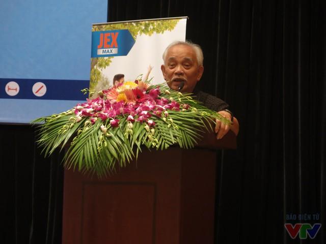GS.BS Trần Ngọc Ân - Chủ tịch Hội thấp khớp học Việt Nam chia sẻ cách phát hiện sớm và điều trị bệnh xương khớp ở người cao tuổi.