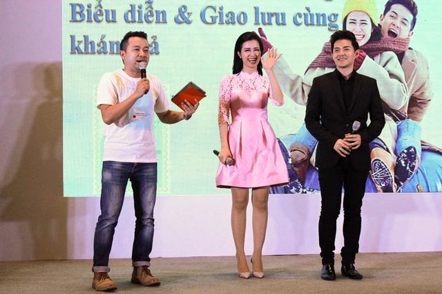 Cặp đôi Đông Nhi - Ông Cao Thắng cùng nhau xuất hiện tại sự kiện tại AEON MALL Long Biên