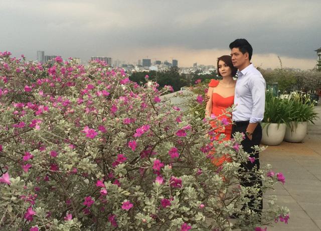 Hình ảnh Bình Minh và Mai Thu Huyền trong phim Những ngọn nến trong đêm phần 2.