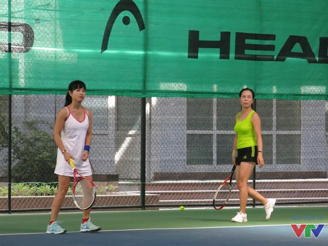 Sau gần 1 ngày thi đấu, các tay vợt xuất sắc đã trải qua 26 trận đấu sôi nổi và hấp dẫn.