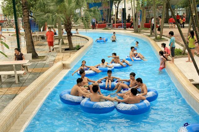 Thỏa sức vùng vẫy trong làn nước xanh mát sẽ giúp các gia đình và trẻ nhỏ có ngày nghỉ thoải mái, trọn vẹn