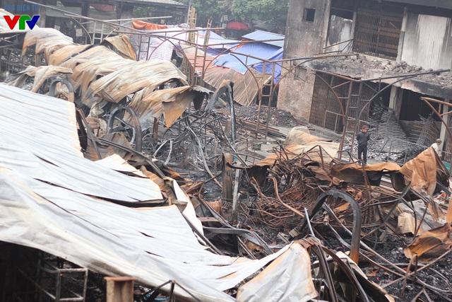 Toàn cảnh khu vực chợ Phủ Lý bị cháy đêm 30/12 vừa qua.