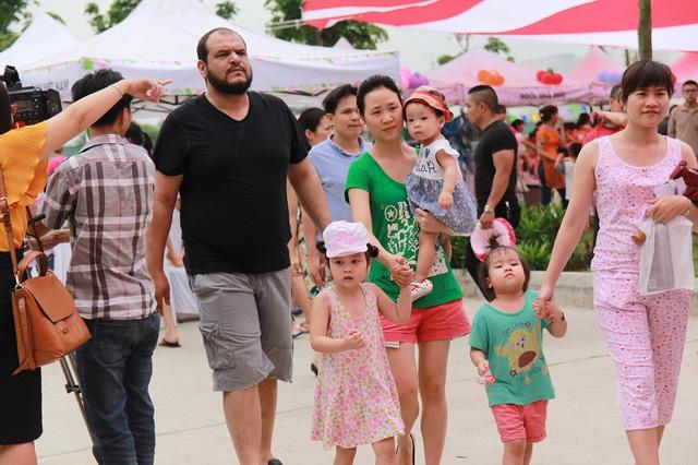 Trong sự kiện Ngày của mẹ, các gia đình còn được tham gia nhiều trò chơi hấp dẫn nhằm tôn vinh Mẹ và gắn kết tình cảm gia đình