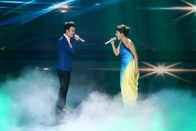 Tuấn Phương khép lại đêm Bán kết với ca khúc Đêm cô đơn song ca cùng Diva Trần Thu Hà