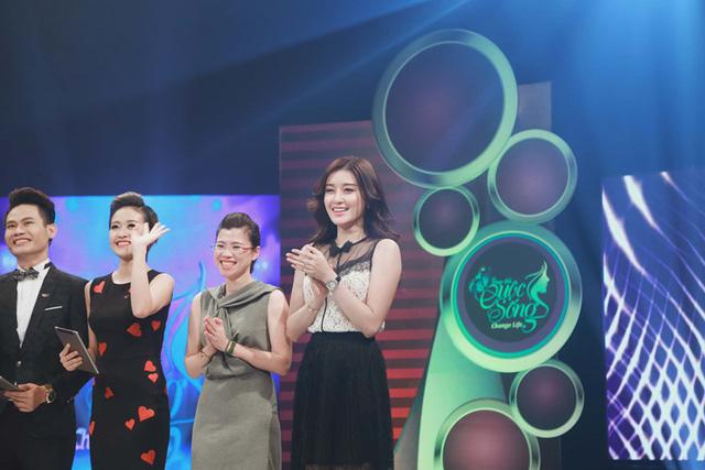 Huyền My tham gia ghi hình chương trình Change Life với vai trò khách mời