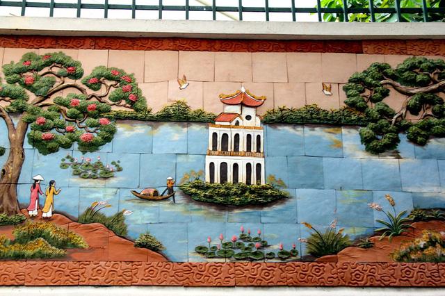 Bức tranh gốm tái hiện hình ảnh Tháp Rùa - Hồ Gươm