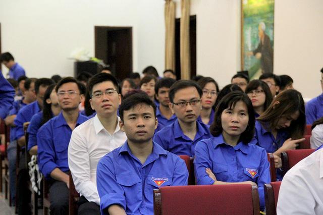 Rất nhiều phóng viên, biên tập viên trẻ thuộc các cơ quan báo chí có mặt tại buổi lễ, trong đó có 30 cá nhân xuất sắc được vinh danh