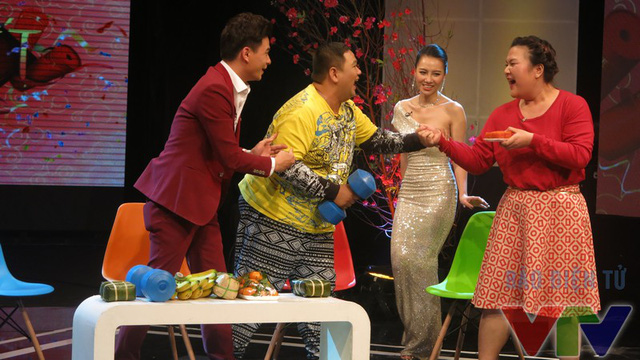 Minh Béo vui mừng khi gặp cô em gái thân thiết trong chương trình Bước nhảy ngàn cân - Thủy Tiên.