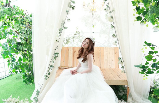 Thủy Top khi mặc váy cưới trong phim. Ảnh: Hải Nguyễn