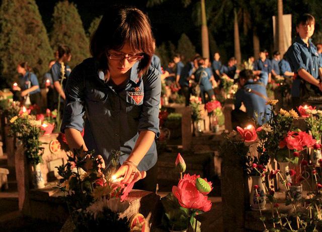 Nghĩa trang liệt sĩ thành phố Hà Nội là nơi an nghỉ của hơn 2.300 anh hùng liệt sĩ, là những người con của Thủ đô hy sinh trên các miền Tổ quốc được quy tập về đây