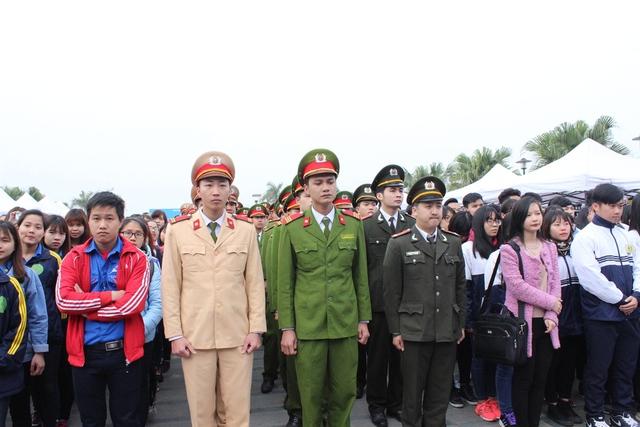 Lễ phát động có sự tham dự của hàng ngàn bạn trẻ trên địa bàn Thủ đô