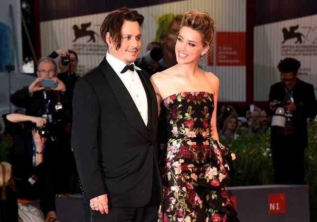 Johnny Depp và Amber Head khi còn hạnh phúc. (Ảnh: Popsugar)