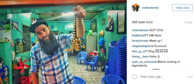Jordan chia sẻ một bức ảnh khác của anh trong thời gian làm việc tại Việt Nam.