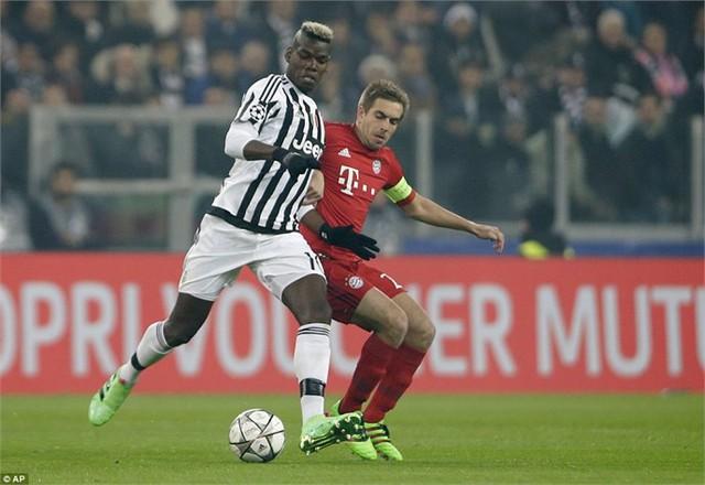Juventus (áo sọc đen-trắng) có làm nên bất ngờ trước Bayern Munich? Ảnh: AP
