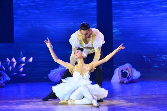 Khánh My hóa nàng thiên nga trong vở ballet nổi tiếng Hồ thiên nga trong tiết mục dự thi thứ hai. Cô đã tập luyện một tuần để có thể múa trên đôi giày mũi cứng mà các vũ công chuyên nghiệp mất hàng năm trời mới làm được thành thục.