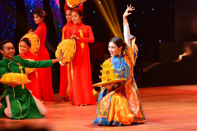 Khánh My mang tín ngưỡng hầu đồng của người Việt lên sân khấu. Cô sử dụng điệu Rumba, Tango và múa dân gian để thể hiện bài nhảy. Tiết mục được đầu tư và dàn dựng công phu về dàn vũ công, đạo cụ và trang phục.