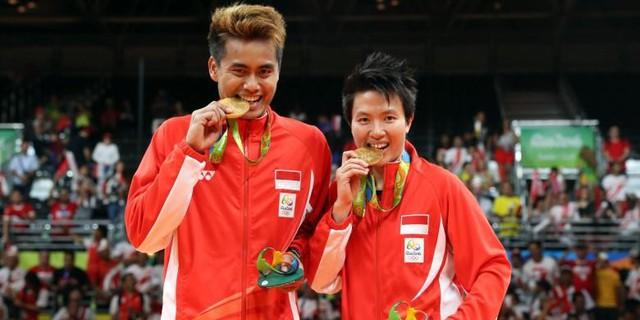 Tontowi Ahmad/Lilyana Natsir (Cầu lông đôi nam nữ - Indonesia).