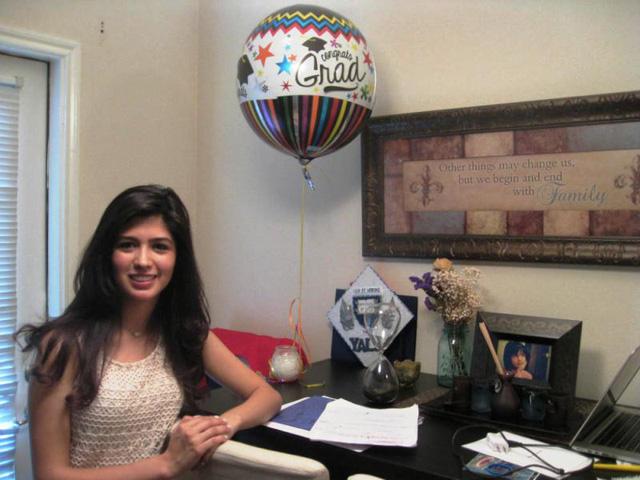 Larissa Martinez vừa tốt nghiệp trường trung học McKinney Boyd, Texas, Mỹ.