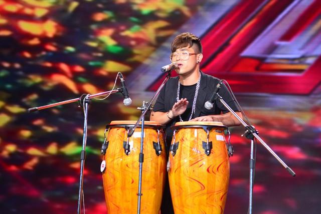 Lê Hoàng Phong thể hiện khả năng chơi trống cực đỉnh.