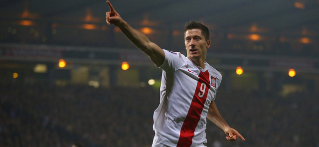 Lewandowski vẫn mang trên mình rất nhiều kỳ vọng dù chưa chứng tỏ được nhiều tại vòng bảng EURO 2016. Ảnh: Getty