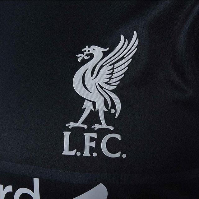 Áo sân khách của Liverpool