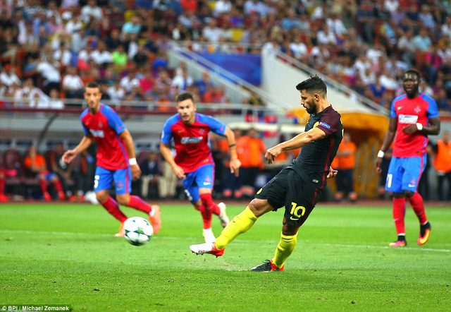 Aguero sút trượt quả penalty thứ 2