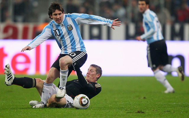 Messi trong trận đấu với ĐT Đức tại World Cup 2010