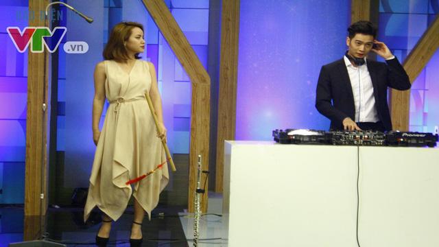 Bạn gái Huyền Trang kết hợp với SlimV trong bản nhạc Sunset.