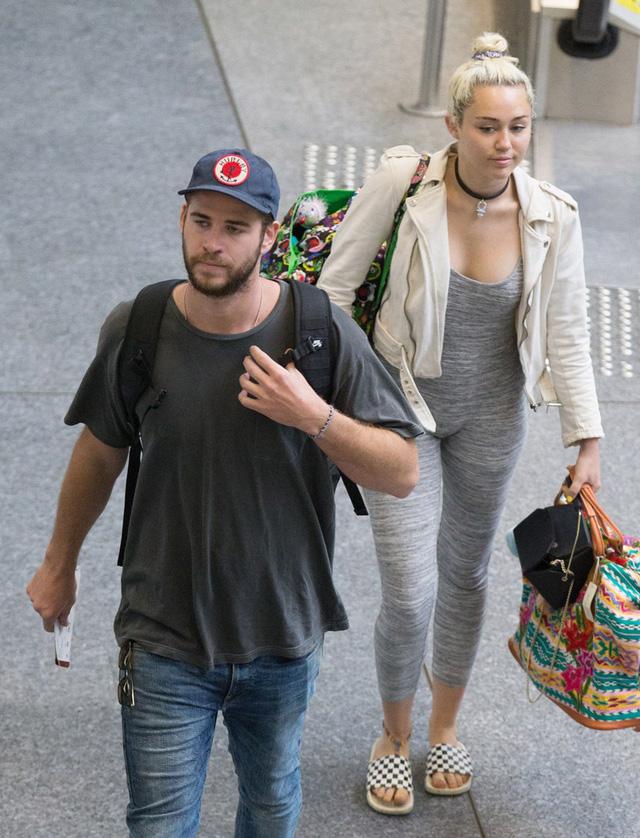 Liam Hemsworth và bạn gái, cựu ngôi sao của kênh Disney Miley Cyrus. (Ảnh: Us Weekly)